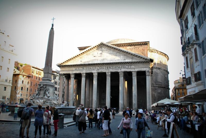 You are browsing images from the article: Rzym na weekend. Jak zorganizować udaną wycieczkę do wiecznego miasta - przelot z UK, hotel, zwiedzanie...