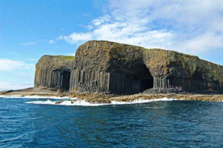 You are browsing images from the article: Staffa Island - bazaltowa wyspa
